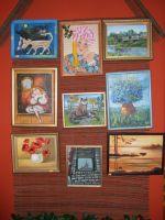 Некоторые из картин на ресепшн
